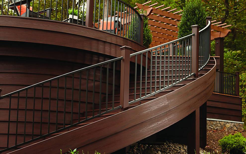 transcend-fascia-reveal-railing-spiced-rum-curve-stair