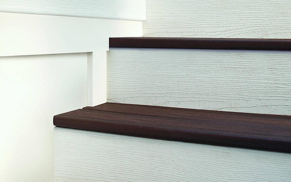 universal-fascia-white-stair